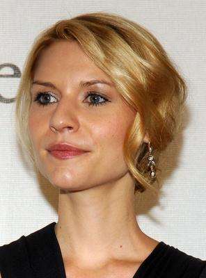 claire danes,claire danes hair,claire danes hair style,claire danes updo