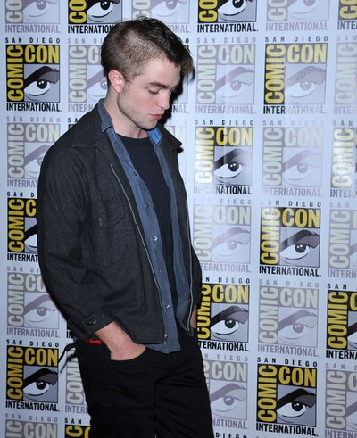Robert Pattinson hair, Robert Pattinson, RPatz hair, celebrity hair, Robert Pattinson shaved head