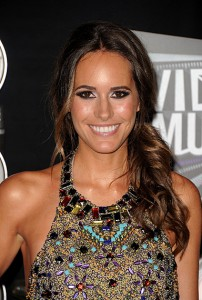 Louise Roe, Louise Roe hair, Louise Roe hairstyle, Louise Roe hair style
