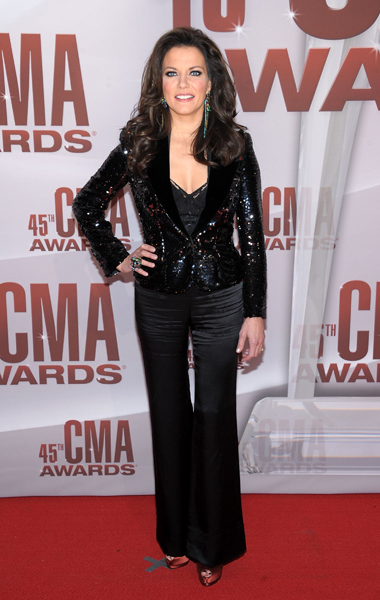 Martina McBride, Martina McBride CMA awards, Martina McBride CMA awards hair