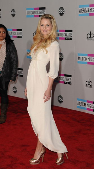 2011+American+Music+Awards+Arrivals+DNEfwjuB-rOl