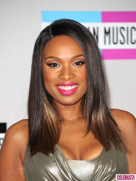 Jennifer-Hudson-at-the-2011-American-Music-Awards-7-435x580