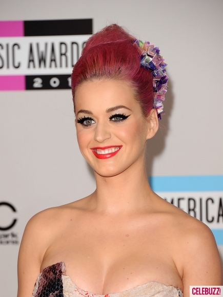Katy-Perry-at-2011-American-Music-Awards-5-435x580