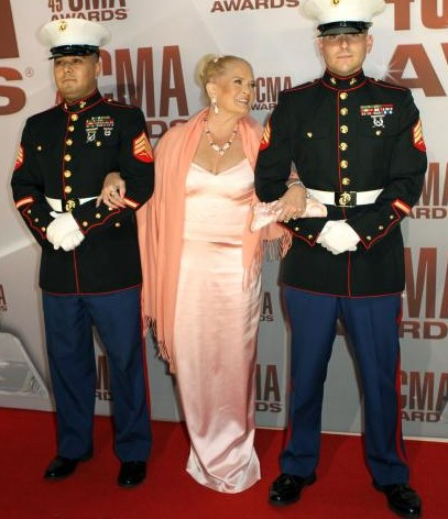 Lynn-Anderson-at-the-2011-CMA-Awards-in-Nashville_47
