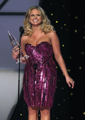 Miranda-Lambert-wins-Female-Vocalist-of-the-Year-performs-at-the-2011-CMA-Awards-in-Nashville_20