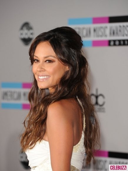Vanessa-Minnillo-at-the-2011-American-Music-Awards-2-435x580