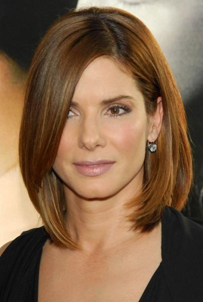 sandra bullock, sandra bullock hair style, hairstyle with bangs, long side bangs, hairstyle with long side bangs