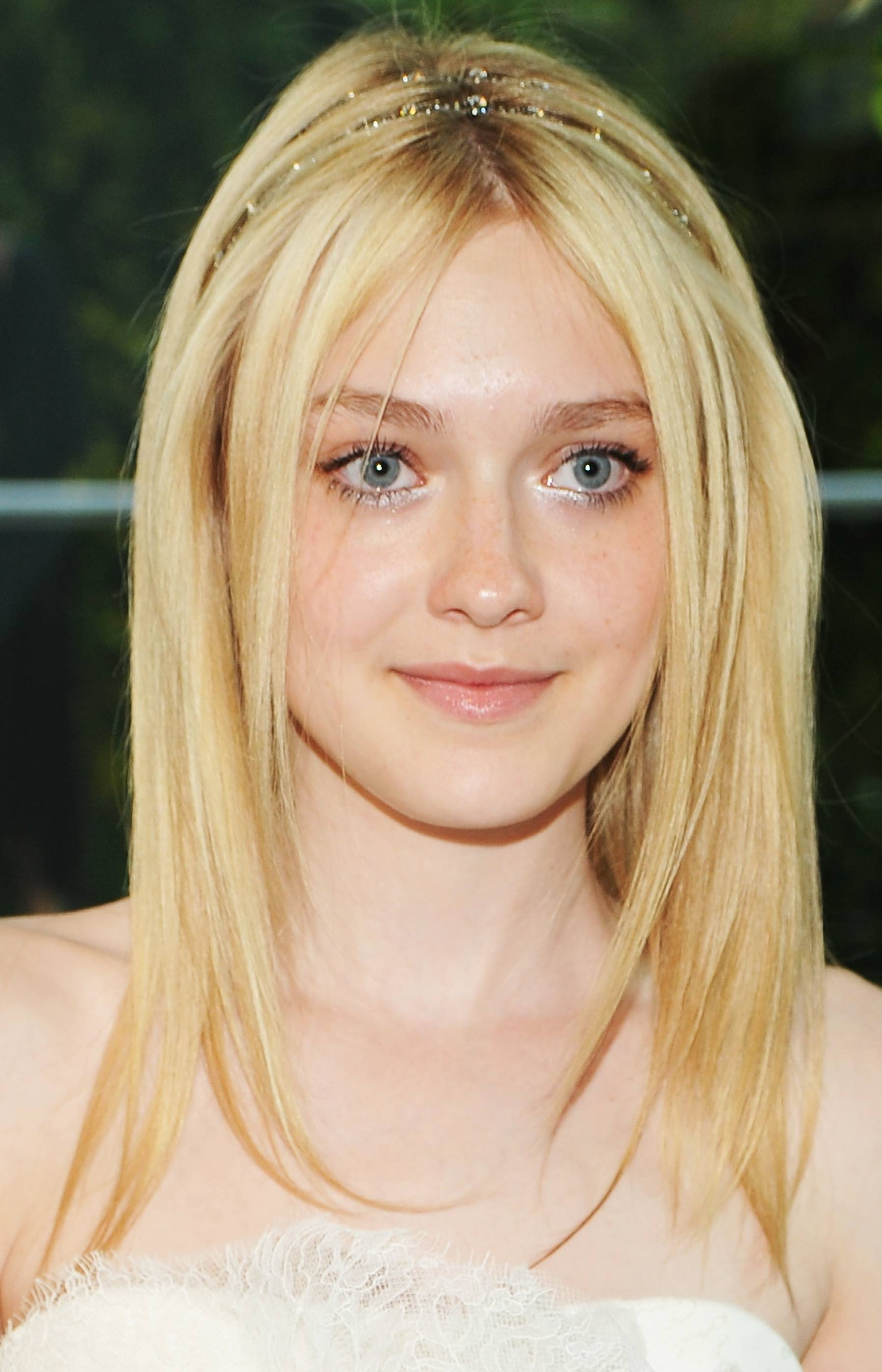 dakota fanning, dakota fanning hair, headband, celebrity headband, celebrity hair