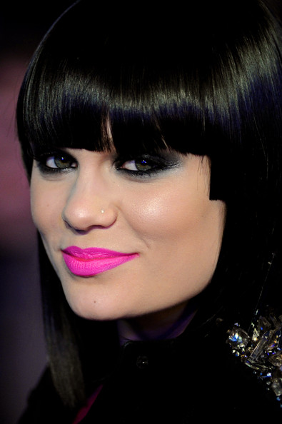 jessie j, jessie j hair, jessie j hair style, jessie j shaved head