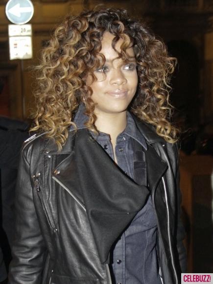 rihanna, rihanna hair, rihanna style, rihanna curly hair