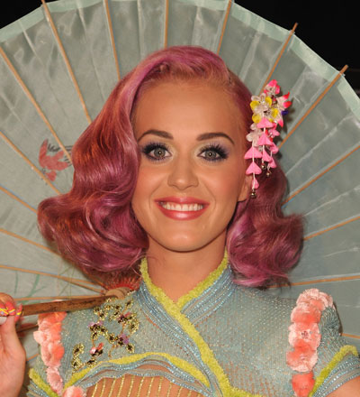 0828-katy-perry-vma-2011-hair-makeup_bd