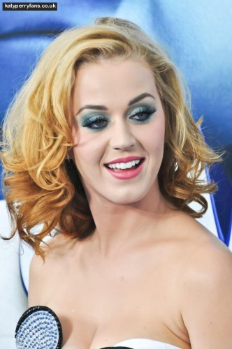 930_katy-perry-hair-2037683576