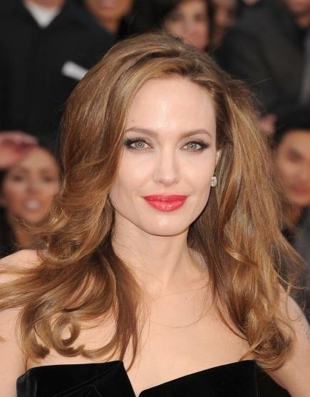 Angelina Jolie, Angelina Jolie hair, Angelina Jolie oscar awards, Angelina Jolie 2012 academy awards, Angelina Jolie hair style, Angelina Jolie 2012 oscars, Angelina Jolie academy award show