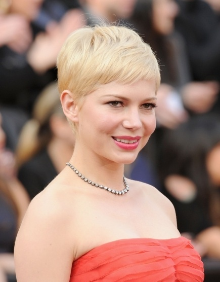 Michelle Williams, Michelle Williams hair, Michelle Williams oscar awards, Michelle Williams 2012 academy awards, Michelle Williams hair style, Michelle Williams 2012 oscars, Michelle Williams academy award show