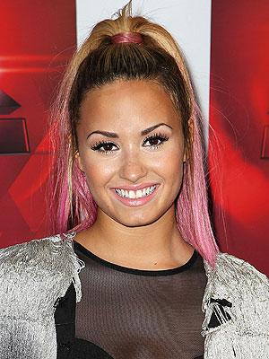demi lovato pink hair, demi lovato dip dye pink, demi lovato hair style, demi lovato hairstyle