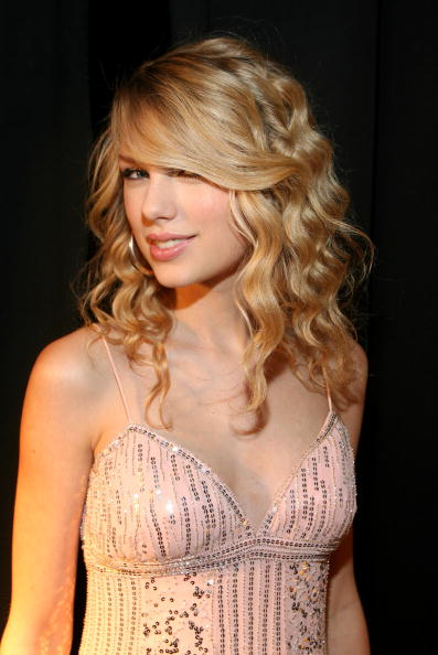 Taylor Swift Defined Waves, defined waves, overnight waves
