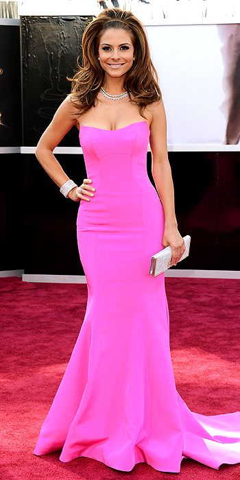 Maria Menounos Is Voluminous on the Red Carpet!