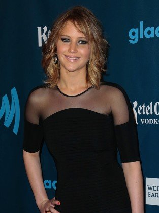 Jennifer Lawrence Goes Short!!