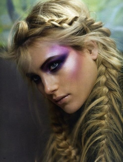Feather Braids are All The Rave!