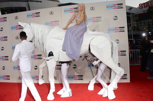 lady gaga ama, lady gaga ama entrance, lady gaga ama 2013, ama 2013, lady gaga hair
