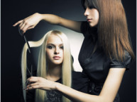 5 questions to ask your stylist, questions for your hair stylist, hair stylist questions, hair consultation questions, how to have a hair consultation, important hair consultation questions, questions to include in your hair consultation