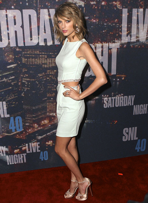 taylor swift, taylor swift hair, t swift, t swift hair, taylor swift snl, taylor swift snl 40, taylor swift snl 40 hair, snl 40 hair, snl, snl 40,  snl 40 red carpet hair, red carpet hair, taylor swift red carpet hair, taylor swift red carpet look