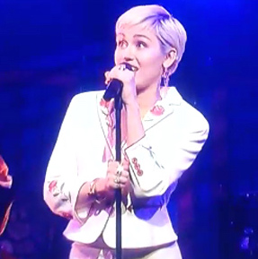 miley cyrus, miley cyrus snl 40, miley cyrus snl, miley cyrus hair, miley cyrus snl live, miley cyrus saturday night live, miley cyrus hairstyle, snl 40 hair, snl 40, growing your hair out, miley growing her hair